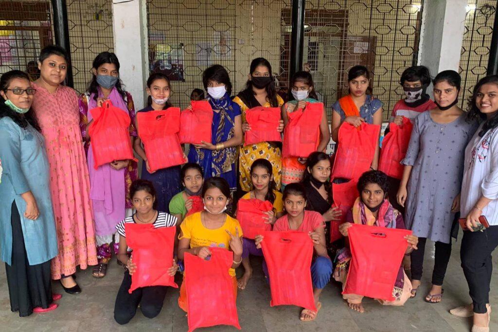 sanitary pad distribution by humjoli foundation